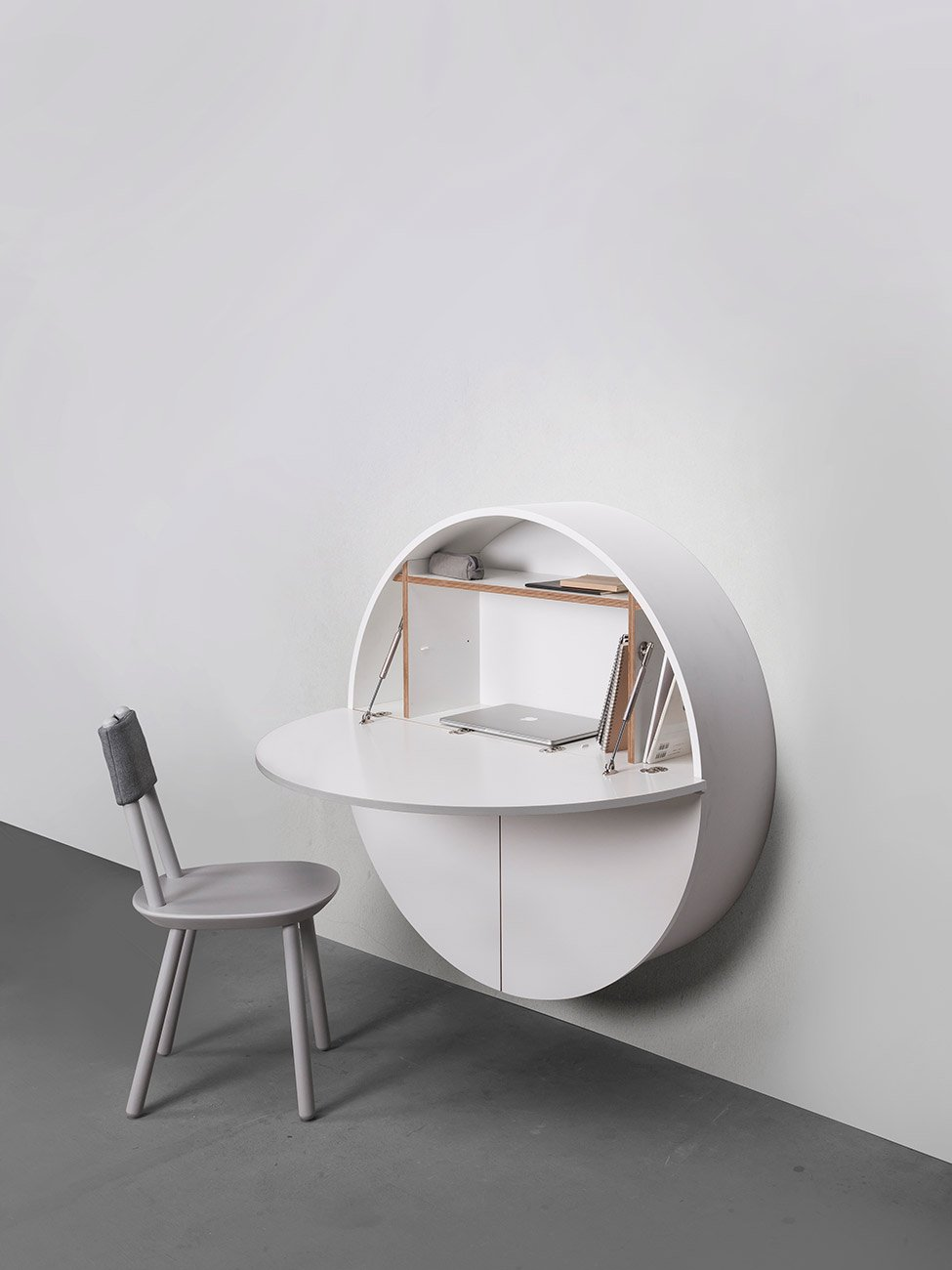 Pill Wall Mounted Desk In White