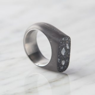 Upright Concrete Ring -33624