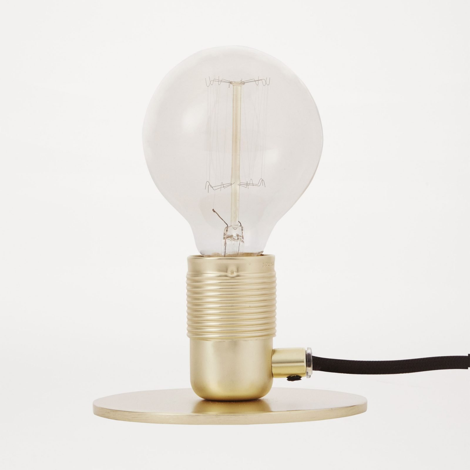 e27-table-lamp-brass-2