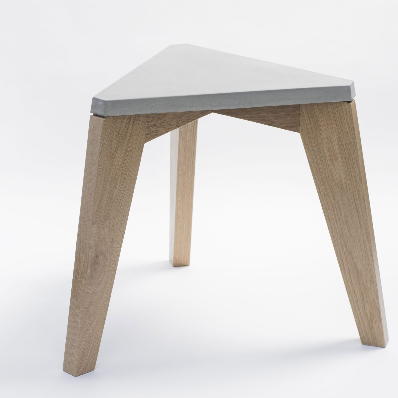 maple-wood-and-concrete-stool-3