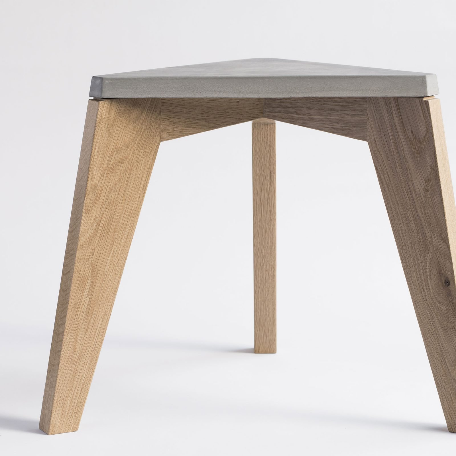 maple-wood-and-concrete-stool-4