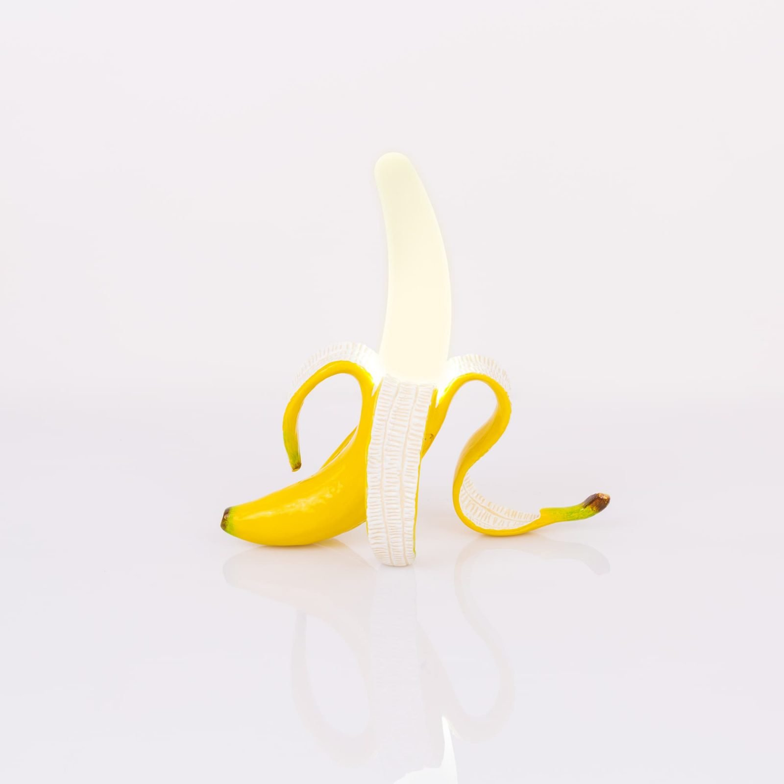 banana-lamp-daisy-8