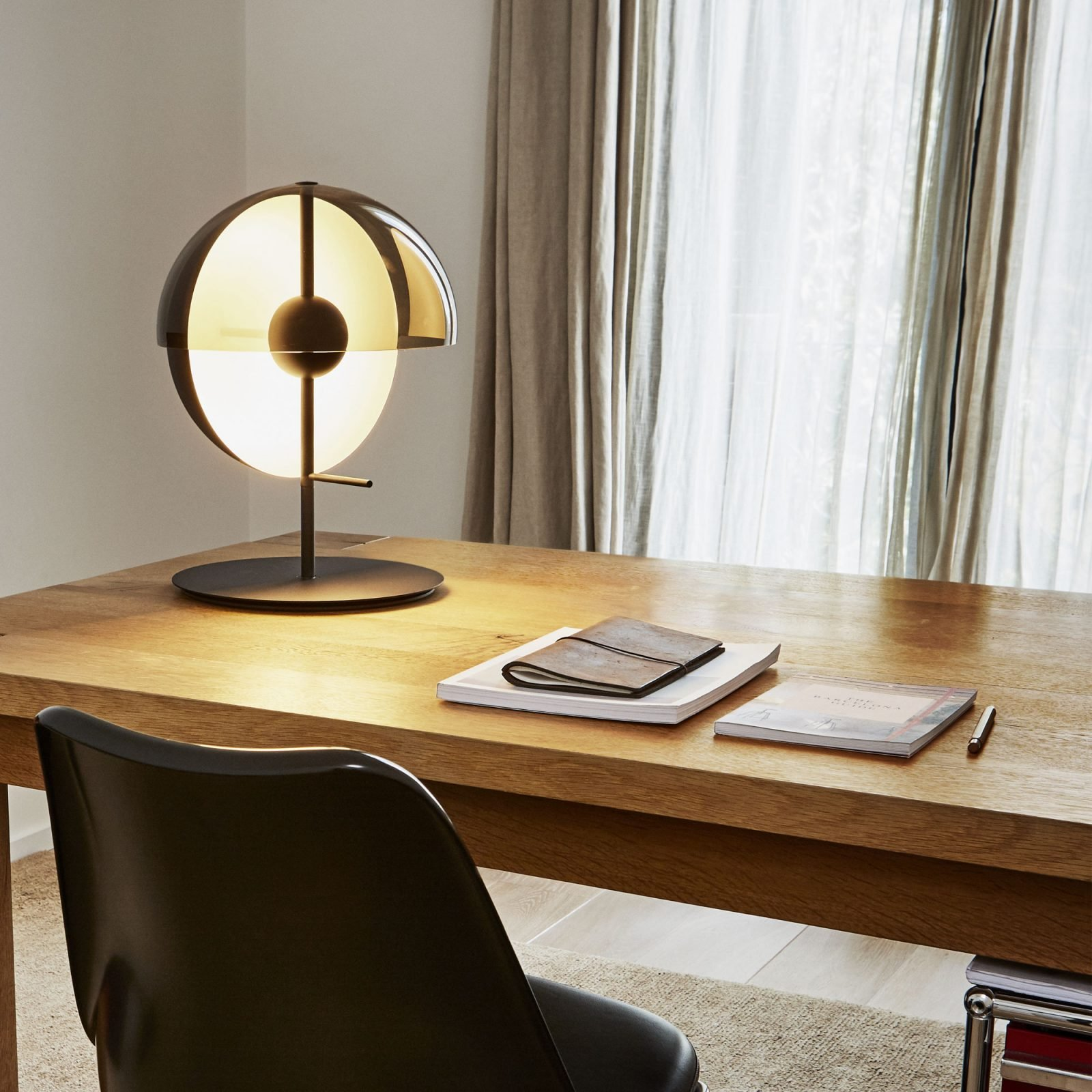 theia-table-lamp-3