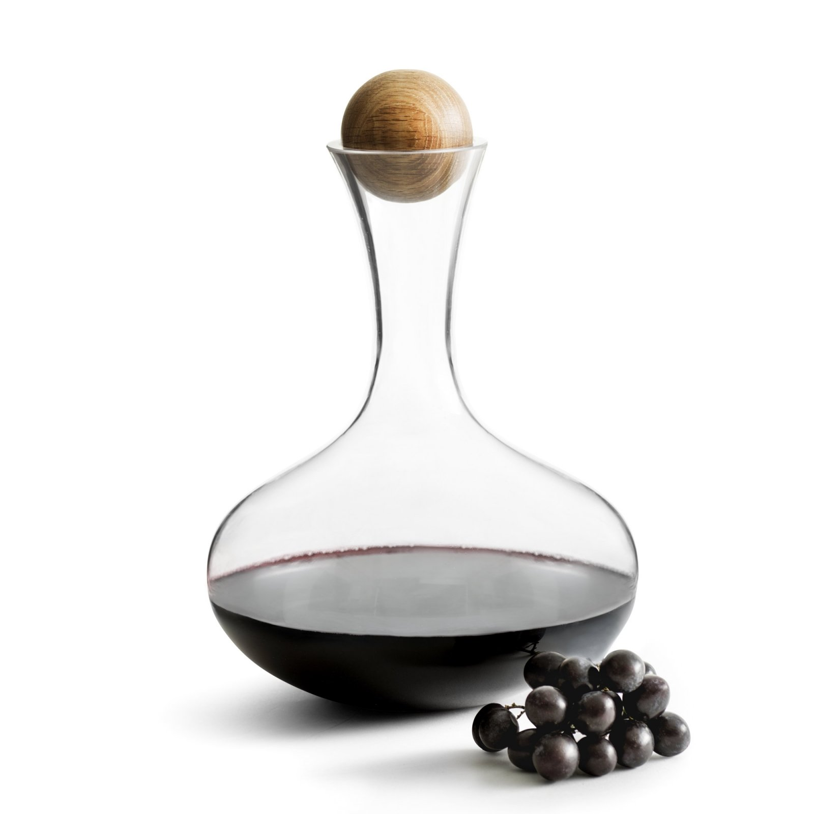 red-wine-carafe-with-oak-stopper-2