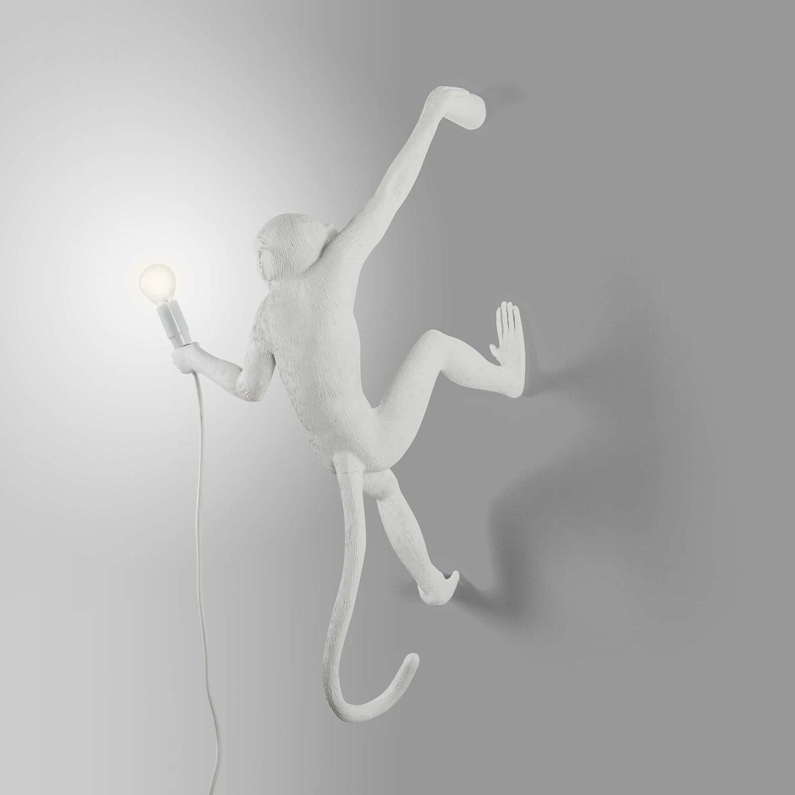 seletti-monkey-lamp-hanging-right-2