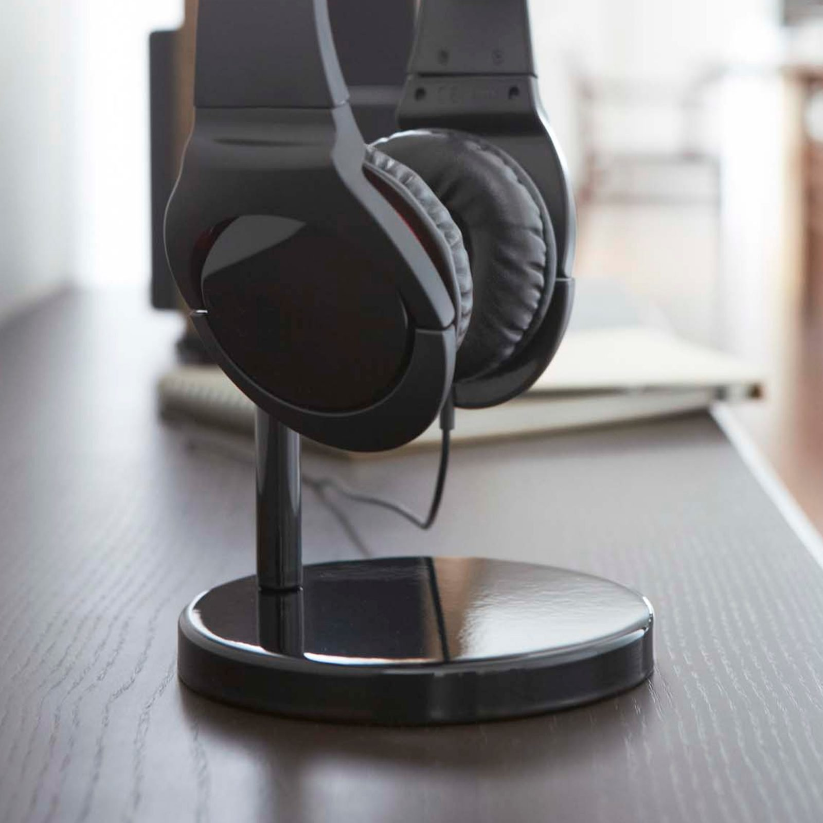 beautes-round-headphone-stand-black-5