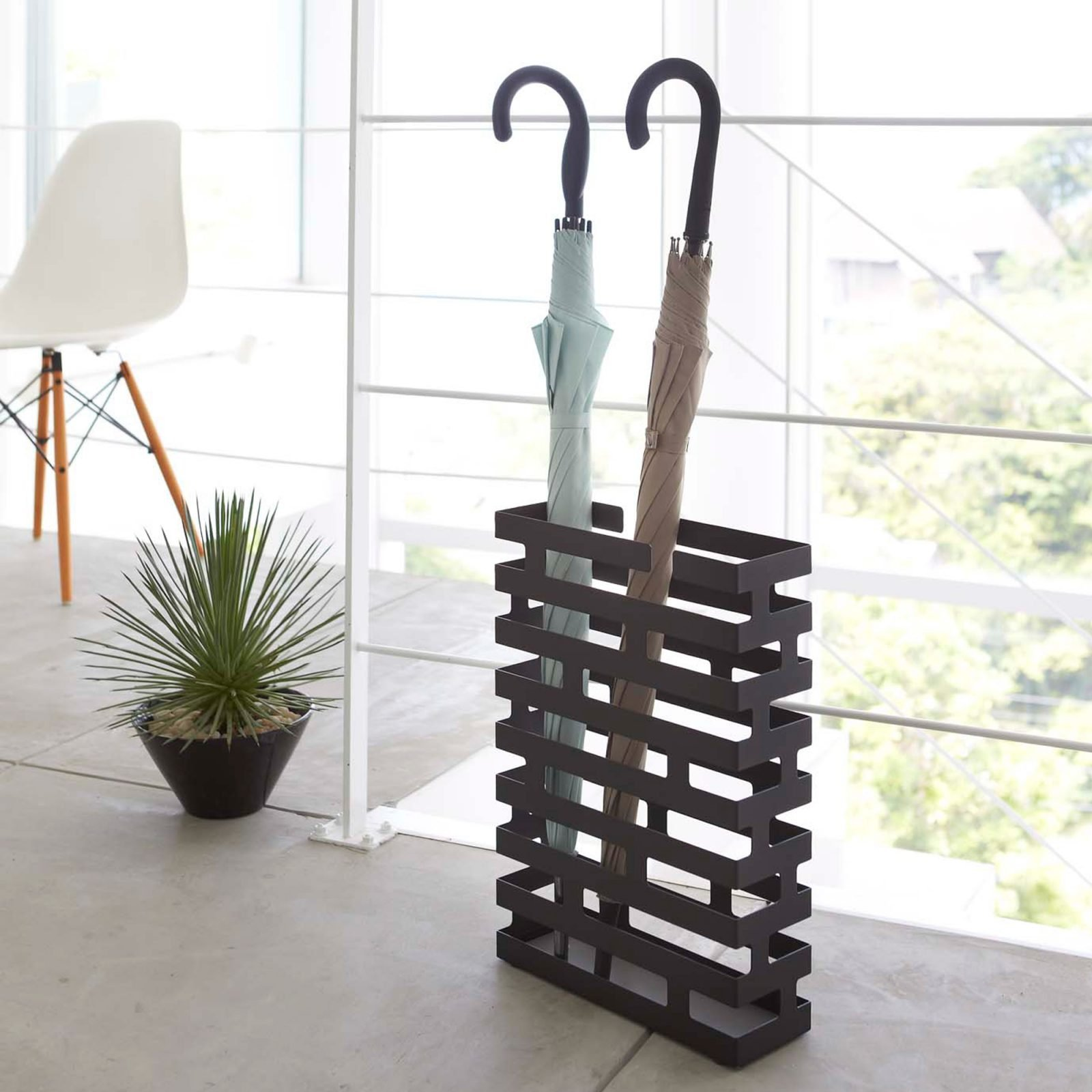 brick-rectangular-umbrella-stand-black-1
