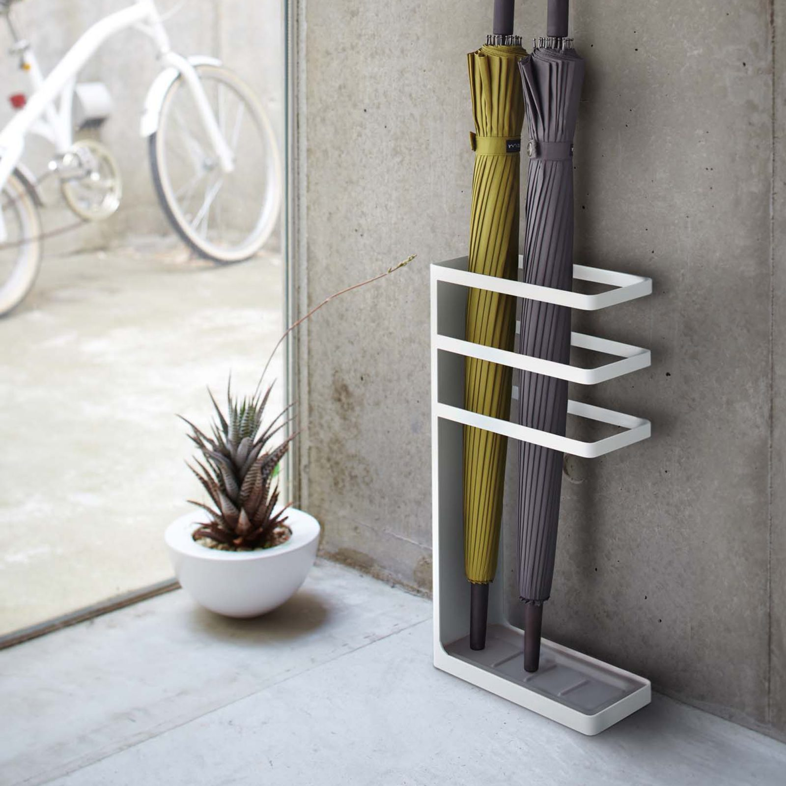 layer-umbrella-stand-white-2