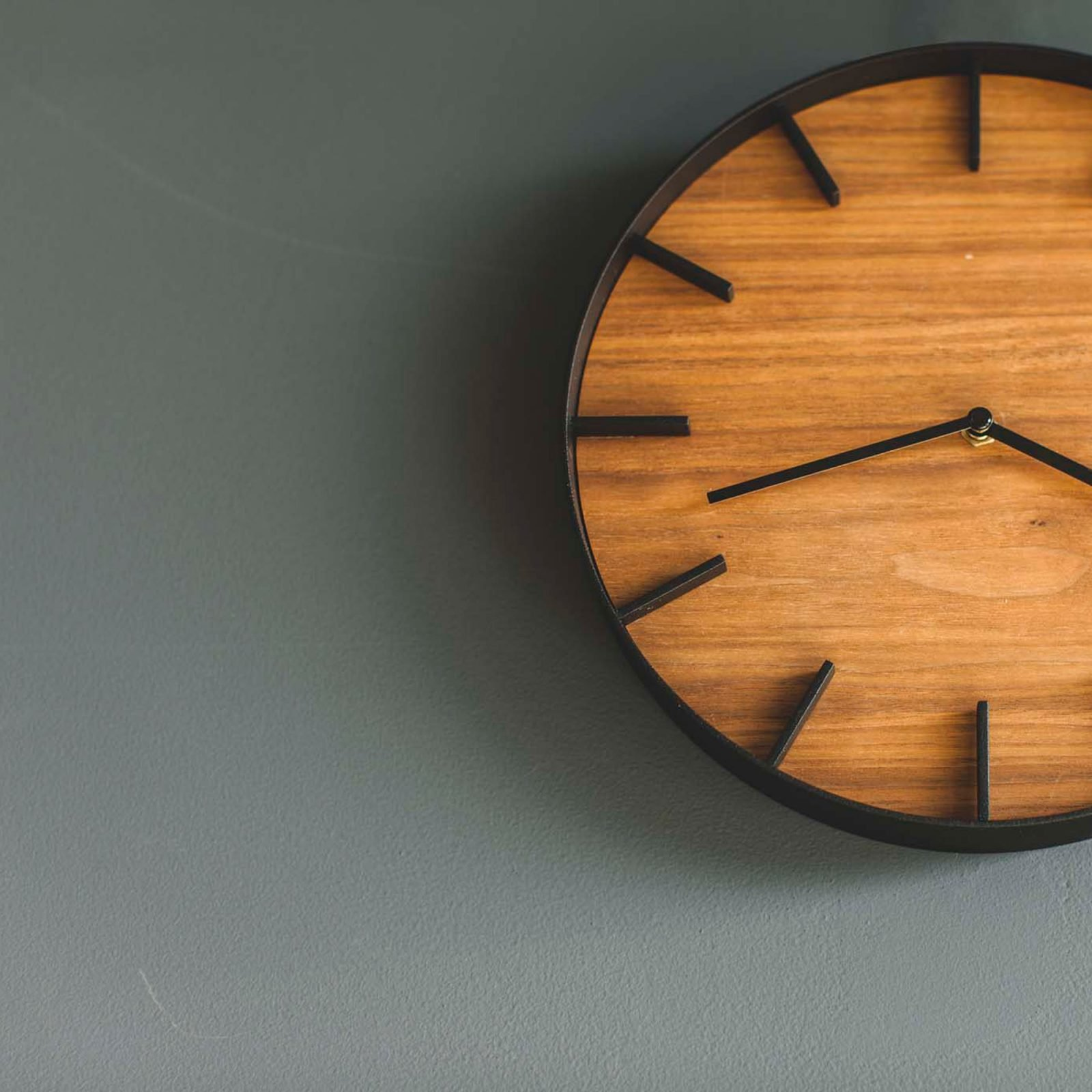 rin-wall-clock-brown3