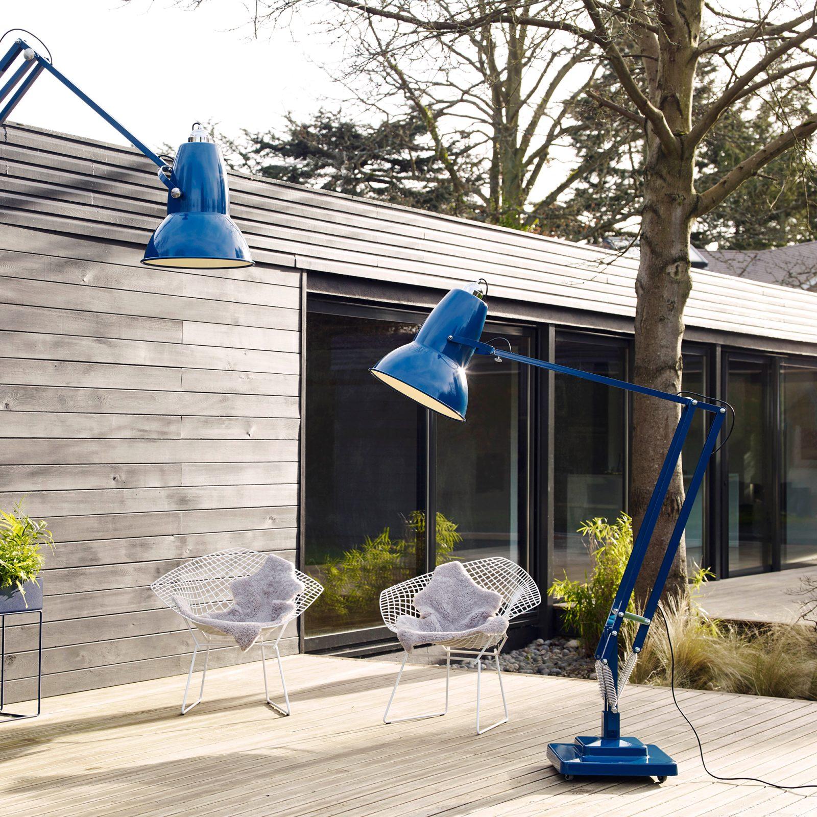 original-1227-giant-outdoor-floor-lamp-2