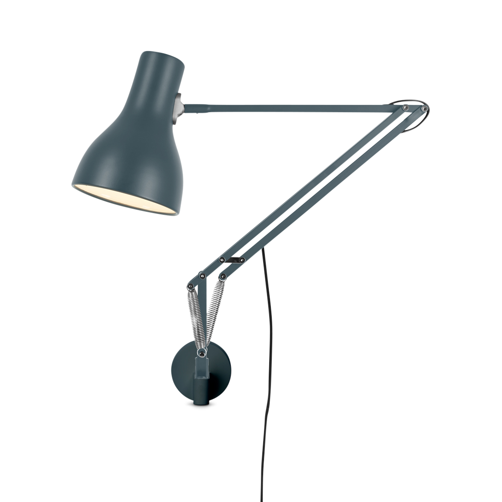 type-75-lamp-with-wall-bracket-1