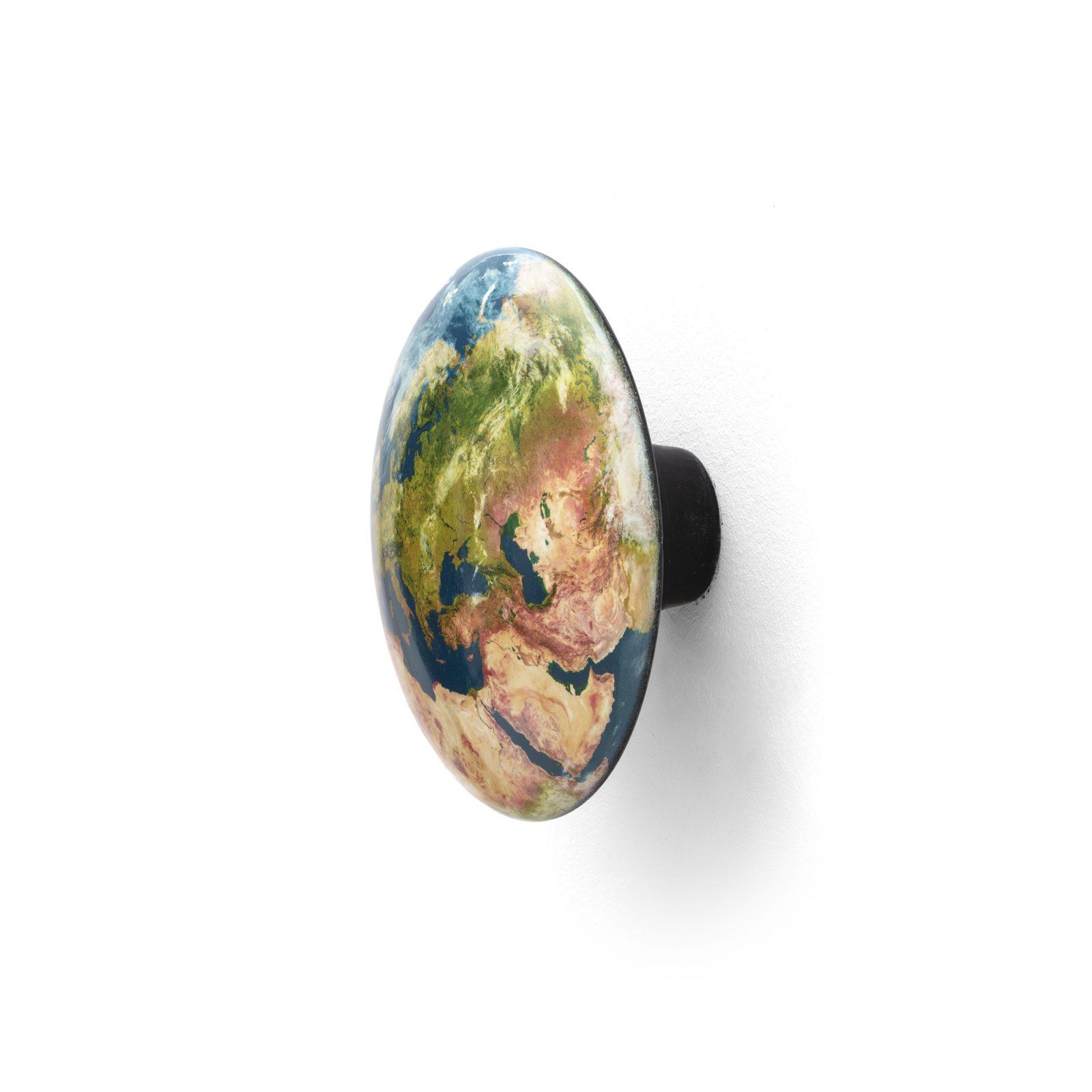 solar-system-hanger-earth-europe-2