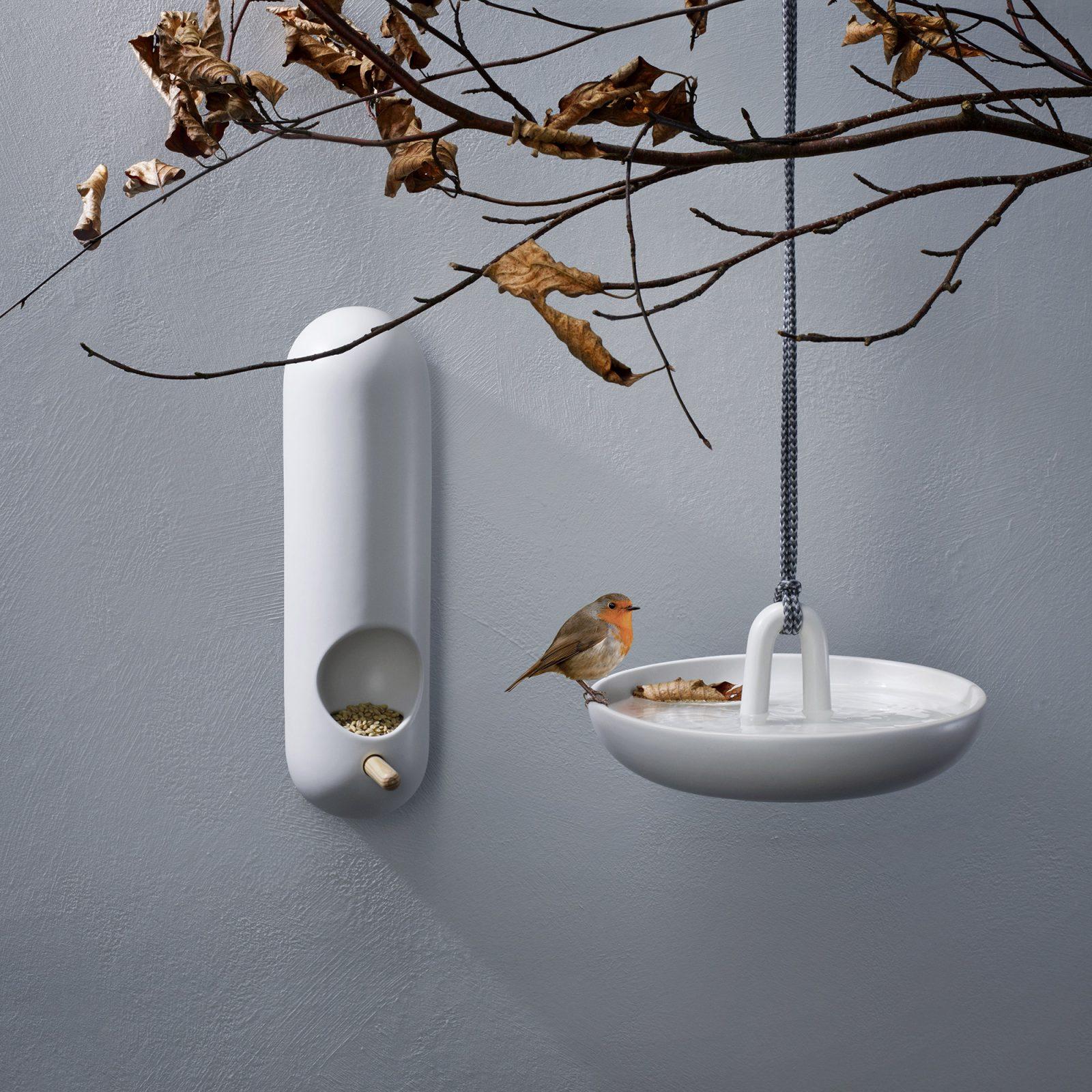 wall-mounted-bird-feeder-tube-5